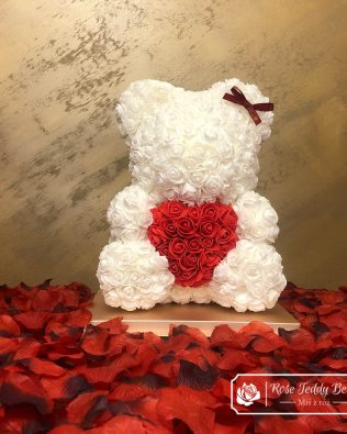 White Rose Bear with Heart – 40 cm (Box + Rose Petals)